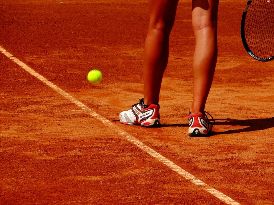 Un joueur de tennis